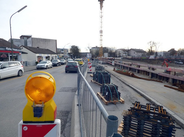 Gauting Sontowski 2020-01-13 Gehweg Parkplätze P1520192 yy