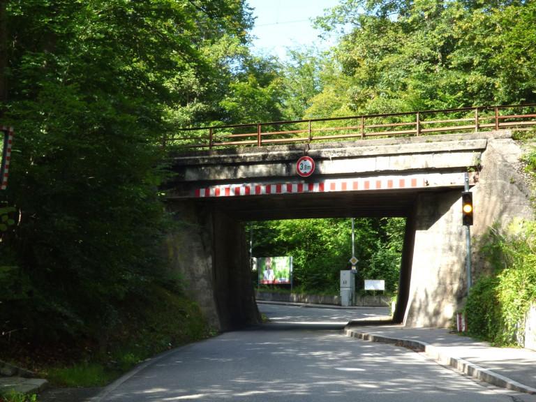 Gauting Königswiesen Bahnunterführung